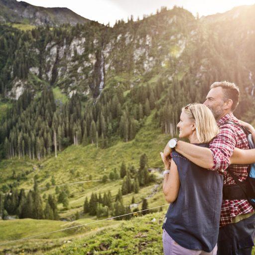 Paarurlaub im Sommer in den Bergen