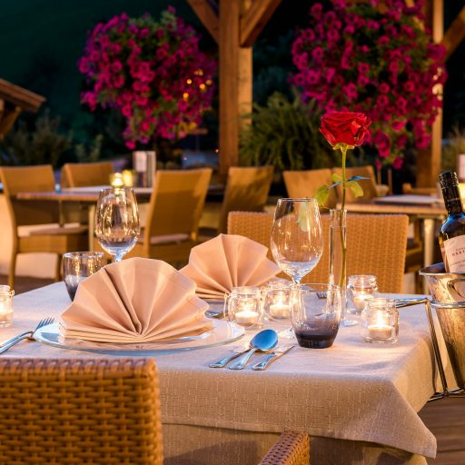 Romantisches Abendessen im Urlaub in Saalbach-Hinterglemm